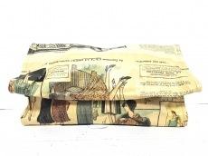 グリーンアンドコーリミテッドのクラッチバッグ