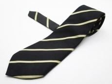 バタクハウスカットのネクタイ