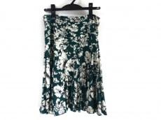 フィフィーユパリスのスカート