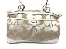 COACH(コーチ)のシグネチャー サテン キャリーオールのショルダーバッグ