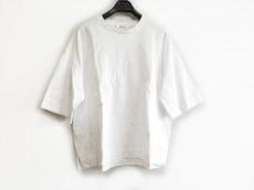 ebure(エブール)のTシャツ