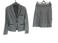クリスタルシルフのスカートスーツ