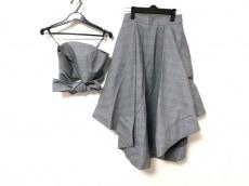 カメオコレクティブのスカートセットアップ