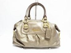 COACH(コーチ)のアシュレイレザーサッチェルのハンドバッグ