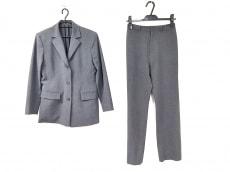 ベアトリスのレディースパンツスーツ