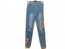 カルツェドニアのジーンズ