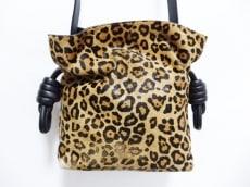 LOEWE(ロエベ)のフラメンコノットスモールのショルダーバッグ