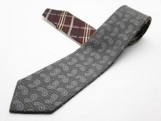 ジラフのネクタイ