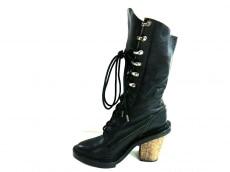ケイ シラハタのブーツ