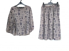 マーブルシュッドのスカートセットアップ