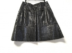 ドロシーシューマッハのスカート
