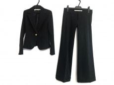 マーキュリーデュオのレディースパンツスーツ