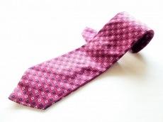 カナーリのネクタイ