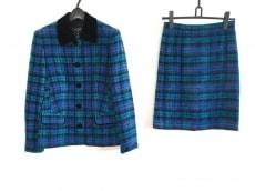 ローレルのスカートスーツ