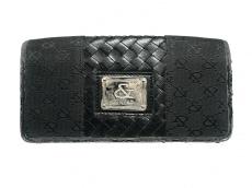 アンドバイピンキー&ダイアンの長財布