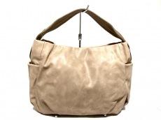 イアのハンドバッグ