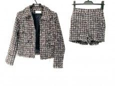 ミシェルマカロンのレディースパンツスーツ