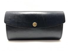 アミアカルヴァの長財布