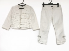 トゥービーシックのレディースパンツスーツ