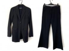 デニーローズのレディースパンツスーツ