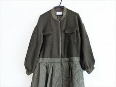 カロリナグレイサーのコート