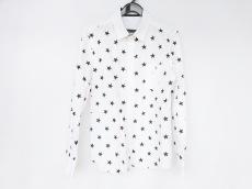 エデュケーションフロムヤングマシーンのシャツ