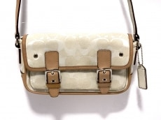 COACH(コーチ)のシグネチャーミニフィールドバッグのショルダーバッグ