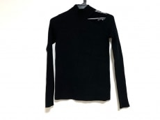 UN3D.(アンスリード)のセーター