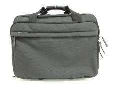 ポルシェデザインのキャリーバッグ