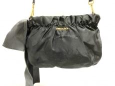 PRADA(プラダ)のロゴジャガードのショルダーバッグ