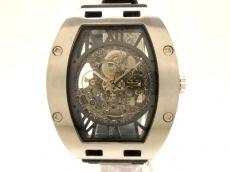 アルカフトゥーラの腕時計
