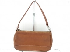 COACH(コーチ)のハンプトン レザー デミポーチのハンドバッグ