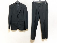 ティーケータケオキクチのメンズスーツ