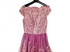 チチロンドンのドレス