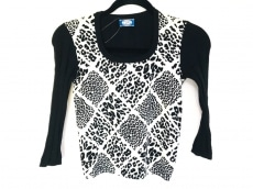 ブルーガール・アンナモリナーリのセーター