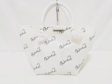 ニーナミュウのハンドバッグ