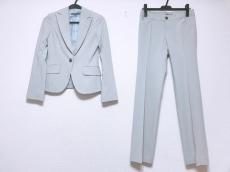 ブラックバイマウジーのレディースパンツスーツ