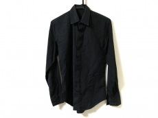 リチウムオムのシャツ