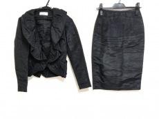ジュンコシマダのスカートスーツ
