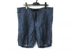 ブルーブルーのジーンズ