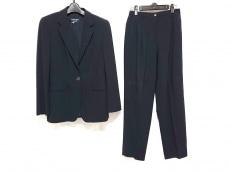 ジョルジオアルマーニクラシコのレディースパンツスーツ