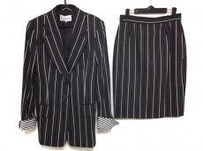 ジャンフランコフェレのスカートスーツ