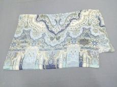 ルチアーノソプラーニのスカーフ
