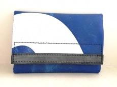 フライターグの2つ折り財布