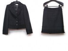 トゥービーシックのスカートスーツ
