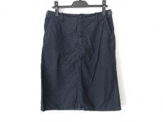 エヌワンアンドレッドのスカート