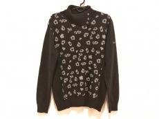 ブラック&ホワイトのセーター