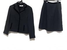 バレンシアガライセンスのスカートスーツ