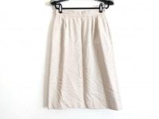 ブリティッシュカーキのスカート