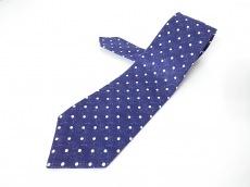 キートンのネクタイ